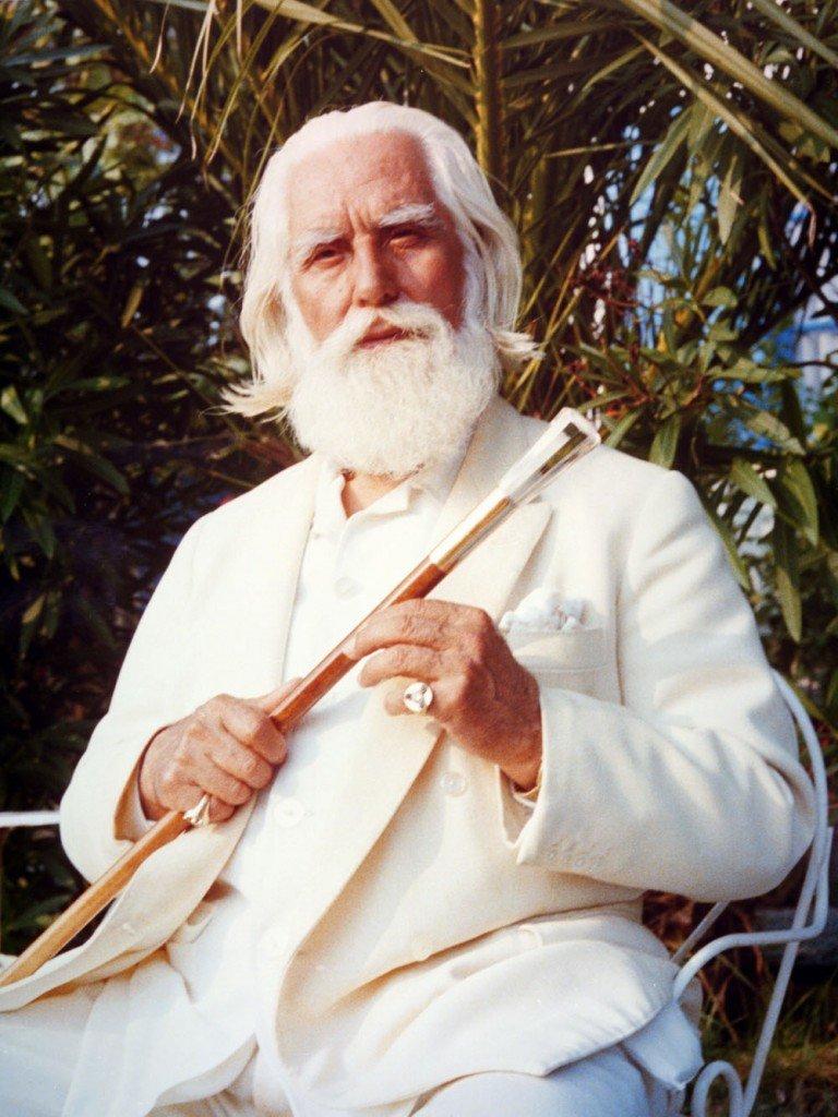 Les pensées spirituelles d'Omraam M. Aïvanhov  dans LES PENSEES SPIRITUELLES DU SAGE BULGARE OMRAAM MICKAEL AIVANHOV*** oma-big-768x1024